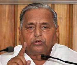 mulayam says congress scare cbi and income tax