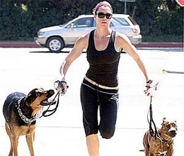 unemployed jessica biel spending time with dog