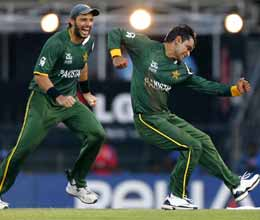 pakistan win but australia reach t20 world cup semi finals