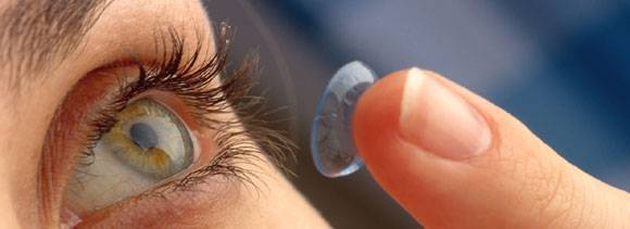 precautions while wearing contact lenses
