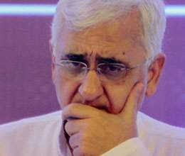 Now government and Congress will defend Khurshid