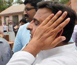 leaders present in akhilesh govt who can tarnish image