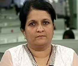 kejriwal aide anjali damania comes in controversy