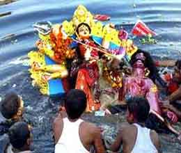 eight people killed during visarjan