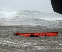 cyclone nilam claims 7 lives