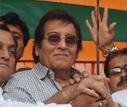No one will ask about the scams in congress says vinod khanna