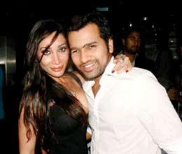 sofia hayat breaks up relation with rohit sharma