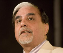 subhash chandra present in front of crime branch