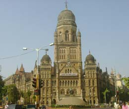 bmc warns shiv sena leaders over makeshift memorial