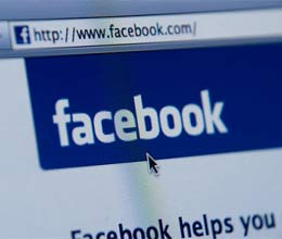 Facebook suffers brief outage