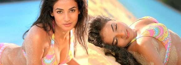 Sonal Chauhan Bikini Scene In 3g - सेक्सी फिगर