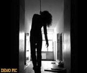 bed girl commit suicide at mandi.