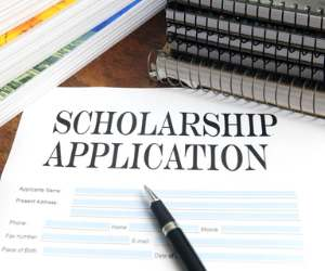 one thousand students get scholarship