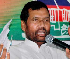 LJP to contest polls along with RJD Congress