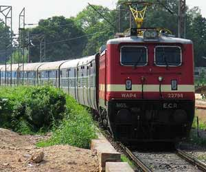 Ghaziabad-New Delhi EMU cancel today