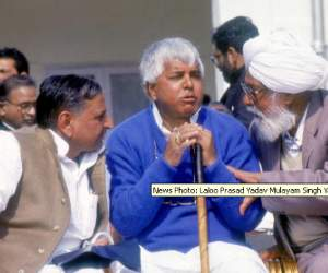 Mulayam and Lalu became a member of 'AAP'
