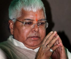 lalu showers praise on congress criticism nitish