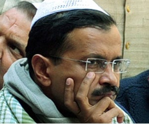 cases filed in dharna at rail bhawan, kejriwal not well and somnath in problem