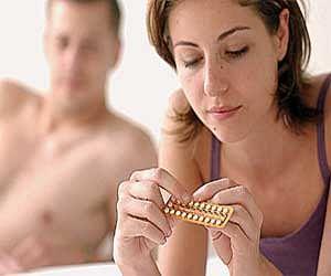 Newer Birth Control Pills Raise Blood Clot Risks, Too