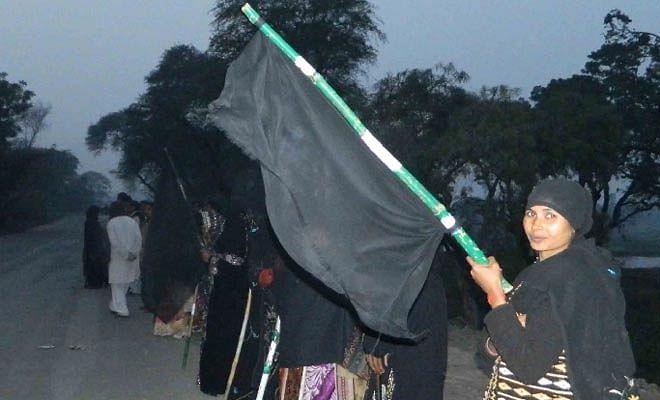 protest of rahul gandhi in amethi