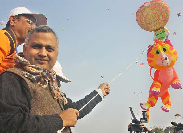somnath bharti flying kite