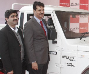 mohindra launched new vehicle bolero picup lat bed