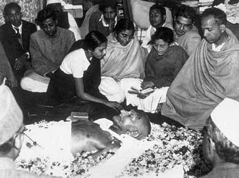 जब गोडसे ने लिया गांधी को खत्म करने का प्रण