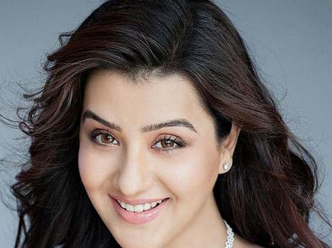 meet actress shilpa shindey