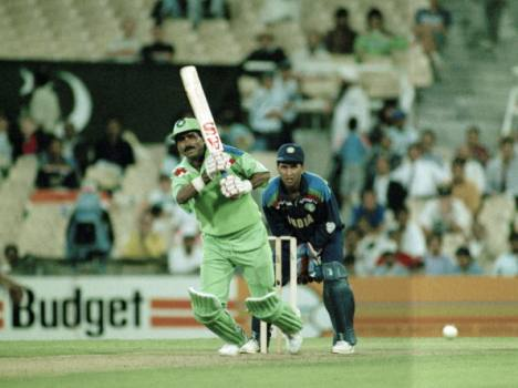 famous fight between kiran more and javed miandad