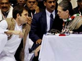 congress supporter give support but which one know in this story