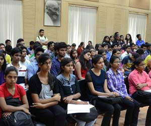 DU students increased, not increased teacher