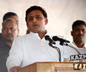 akhilesh gov gives rs 400 crore for women walfare.