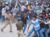 disturbance in kanpur during shahrukh show.