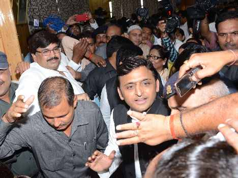 SP candidates file nomination for Rajya Sabha.