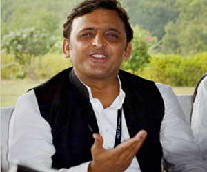 Akhilesh Yadav avoids question on Yadav Singh.