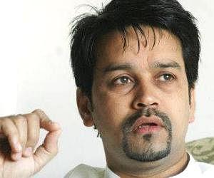 bcci secretary anurag thakur become angry with n srivasan