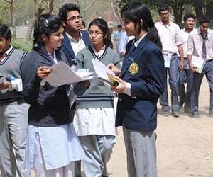 Delhi government to run Schools in double shifts