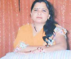 Husband Comitted Suicide after Killing Wife in Agra
