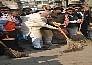 पीएम नरेंद्र मोदी ने काशी में लगाई झाड़ू