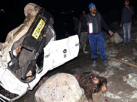 car accident at mandi, live photos