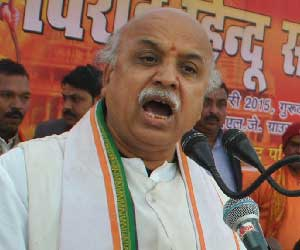 will insure rehabilitation  of four lakh kashmiri pandits says togadia