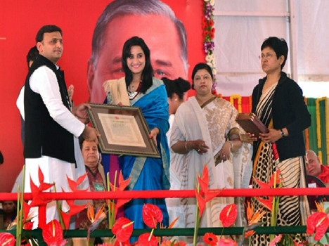 three artist from mathura has been awarded yash bharti