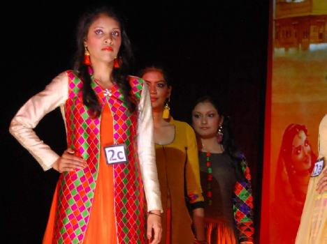 Beautiful Fashion Show by Girl Students, Live Pics