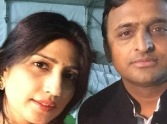 akhilesh shares pic with dimple
