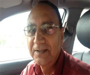 indian professor become taxi driver