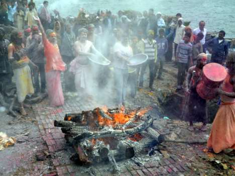 sadhus celebrate bhasma holi at shmashans in kashi.