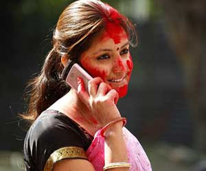 how i can protect phone in holi
