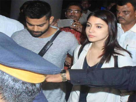 pictures when virat back india with anushka