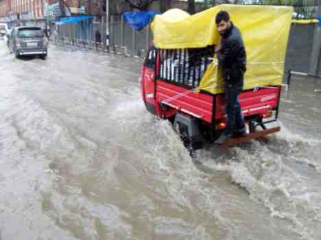 srinagar receive heavy rain and snow in the next 48 hours