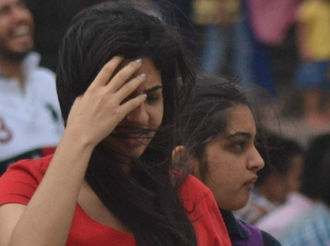 dusty wind in chandigarh, problem for city girls